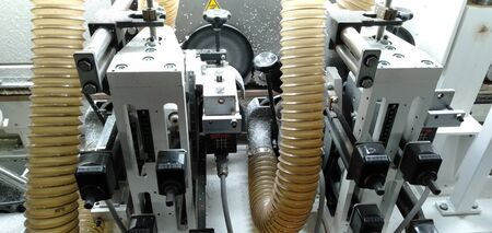 Wood Edge banding machine for the furniture industry, furniture, wood edge banding work in large quantities