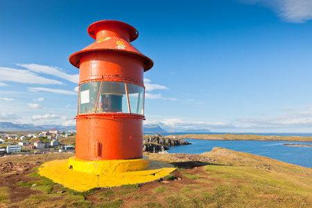 Photo pour Red Lighthouse above Stykkisholmur, Snaefellsnes peninsula, the western part of Iceland - image libre de droit
