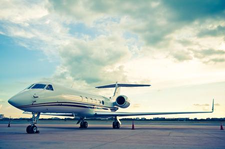 Photo pour Airplane for business flights - retro vintage filter effect - image libre de droit