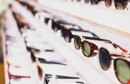 Photo pour Sunglass eye wear shop and apparel.  Latest trending fashion. - image libre de droit