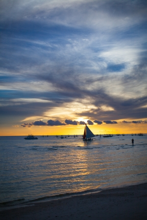 Sailing to the sunset in Bor