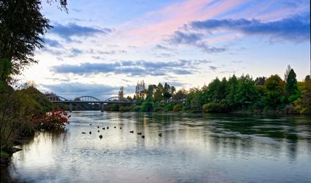 Foto de Waikato river near Fairfield Bridge, Hamilton - Imagen libre de derechos