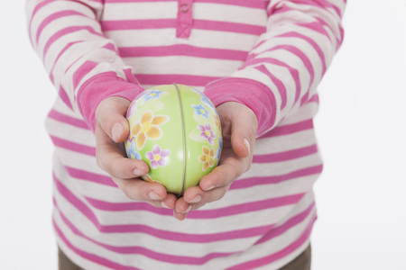 Girl with easter egg