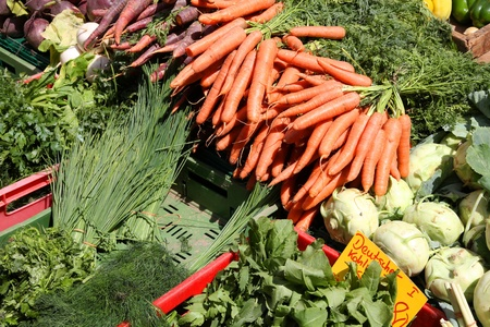 Photo pour Vegetable stand at a marketplace in Mainz, Germany. Farmers market. - image libre de droit