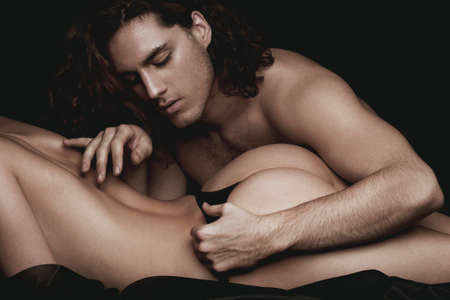 Photo pour Beautiful couple. Handsome curly man. Romantic and love. Young and cocky lovers. Concept of beauty. Big sexy ass beautiful girl. Model with perfect sensual figure. - image libre de droit