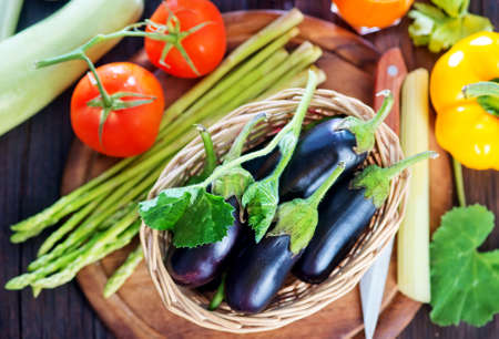 Foto für raw vegetables on the wooden table, fresh vegetables - Lizenzfreies Bild