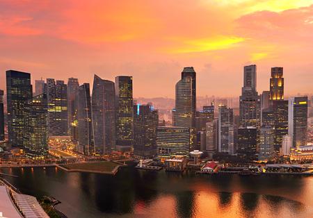Foto de Skyline of Singapore Downtown Core colorful sunset sky - Imagen libre de derechos