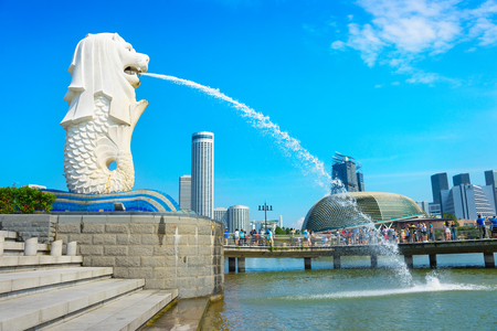 SINGAPORE - JAN 15, 2017: Famous Merlion fountain. Singapore fountain considered to be a symbol of Singapore.