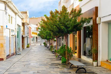 Photo pour Shopping street in central touristic district of Paphos with green trees, Cyprus - image libre de droit