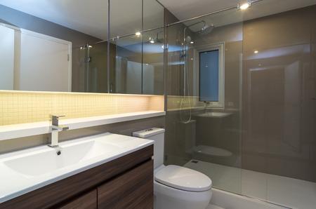 Photo pour Luxury Interior bathroom - image libre de droit