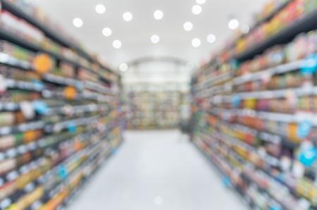 Photo pour Supermarket blur background with bokeh, Miscellaneous Product shelf - image libre de droit