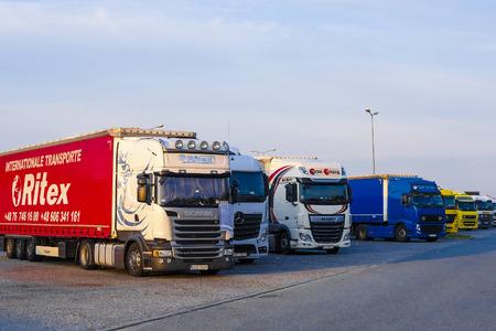 Photo pour Warsaw region, Poland - August, 1, 2019: trucks on a parking in Poland - image libre de droit