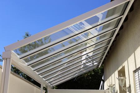 Photo pour Courtyard canopy with glass - image libre de droit