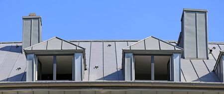 Photo pour Metal standing seam roof - image libre de droit