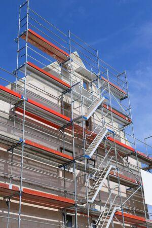 Photo pour Scaffold on a building facade - image libre de droit