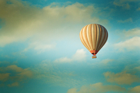 Photo pour vintage hot air balloon in the sky - image libre de droit