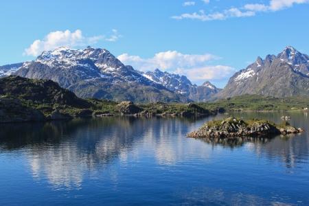 Picturesque Lofoten - Mounta