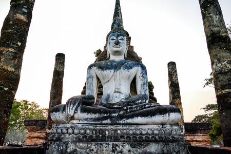 Photo pour buddha statue in thailand, beautiful photo digital picture - image libre de droit