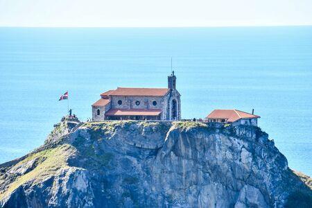 Photo pour lighthouse on island in sea, photo as a background, digital image - image libre de droit