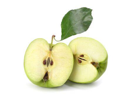 Photo pour green sliced apple on white background - image libre de droit