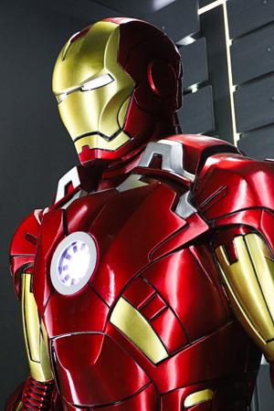 Photo pour Las Vegas, USA-OCT 09, 2017: Iron man Type 7 model at the Avengers experience in Treasure Island Hotel and Casino on Las Vegas Strip. - image libre de droit