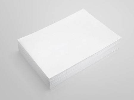Photo pour Stack of white paper on gray background with clipping path - image libre de droit