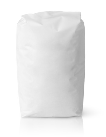 Photo pour Blank paper bag package of salt isolated on white with clipping path - image libre de droit