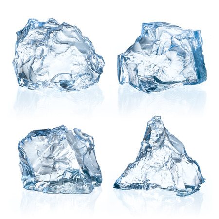 Photo pour Pieces of ice on a white background. - image libre de droit