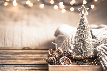 Photo pour Christmas festive decor still life on wooden background, concept of home comfort and holiday - image libre de droit