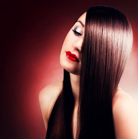 Photo pour portrait of beautiful girl with long hair - image libre de droit