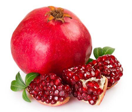 Photo pour fresh pomegranate isolated on white background - image libre de droit