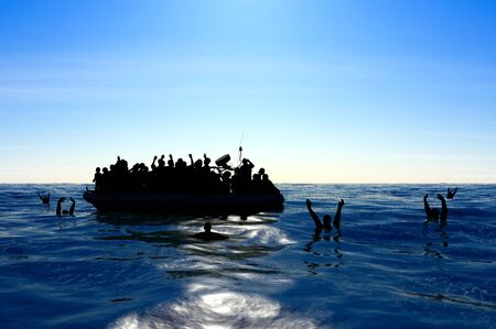 Photo pour Refugees on a rubber boat in the middle of the sea that require help. Sea with people asking for help. Migrants crossing the sea - image libre de droit