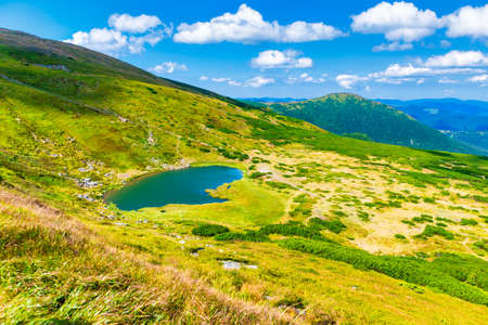 Photo pour Blue lake landscape in mountains with blue water - image libre de droit