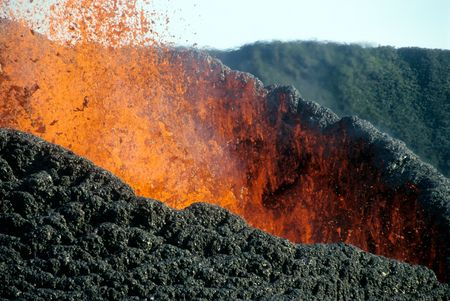 details of volcanic eruption in Piton de la Fournaise (Reunion Island, 2003 august)
