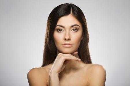 Photo pour Beauty portrait of girl - image libre de droit