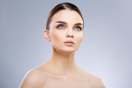 Photo pour Model with big blue eyes - image libre de droit