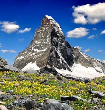 Photo pour Beautiful mountain Matterhorn - Swiss Alps  - image libre de droit