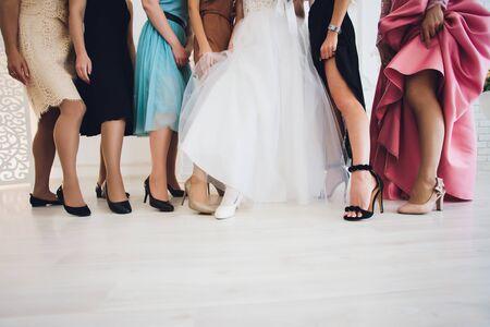Photo pour Close up of elegant female legs on background. - image libre de droit