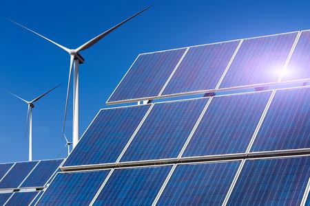 Photo pour Power plant using renewable solar energy with sun and wind turbine - image libre de droit