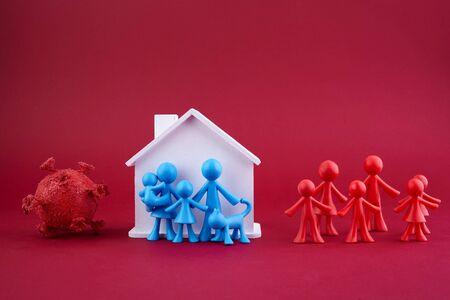 Photo pour Stay home concept. Home quarantine. Coronavirus outbreak concept. Coronavirus pandemic. Family concept. - image libre de droit
