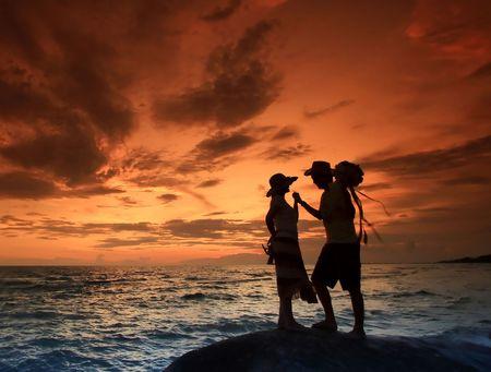 Foto de Romantic Scene on the Beach, Thailand - Imagen libre de derechos