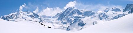 Photo pour Panorama of Snow Mountain Range Landscape with Blue Sky at Matterhorn Peak Alps Region Switzerland - image libre de droit