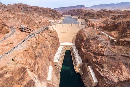 Foto de Hoover dam in Arizona and Nevada, USA - Imagen libre de derechos
