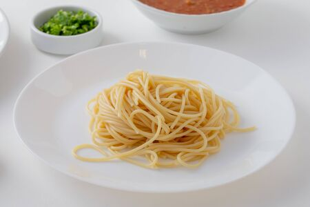 Photo pour Material of Spicy Spaghetti with Thai sausage isolaed whie Background. - image libre de droit