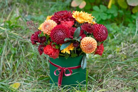 Foto de Close-up flower-box as a gift concept for wedding, birthday, event, celebration, flowers delivery, surprise - Imagen libre de derechos