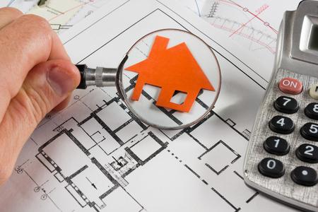Photo pour Model house, construction plan for house building, keys, divider compass and clipboard. Real Estate Concept. Top view - image libre de droit