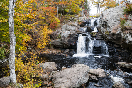 Photo pour Chapman Falls at Devil's Hopyard State Park in East Haddam, Connecticut - image libre de droit