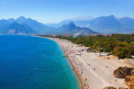 Foto de Beach at Antalya Turkey - travel background - Imagen libre de derechos