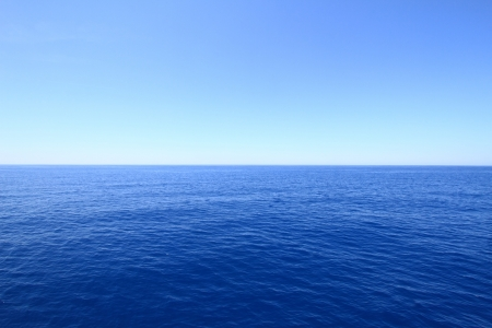 Blue sea and sky horizon