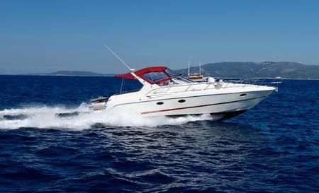 Photo pour Motor speed boat - image libre de droit
